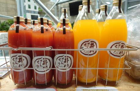 井川さんちのみかんジュースとトマトジュース